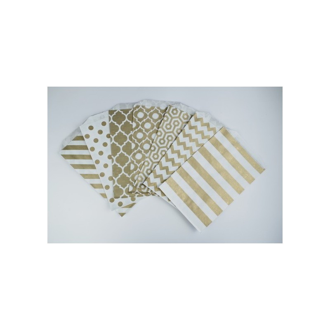 sachets pochettes lot de 10 en papier blanc a motif losange gold or dore 19 x 125 cm pour. Black Bedroom Furniture Sets. Home Design Ideas
