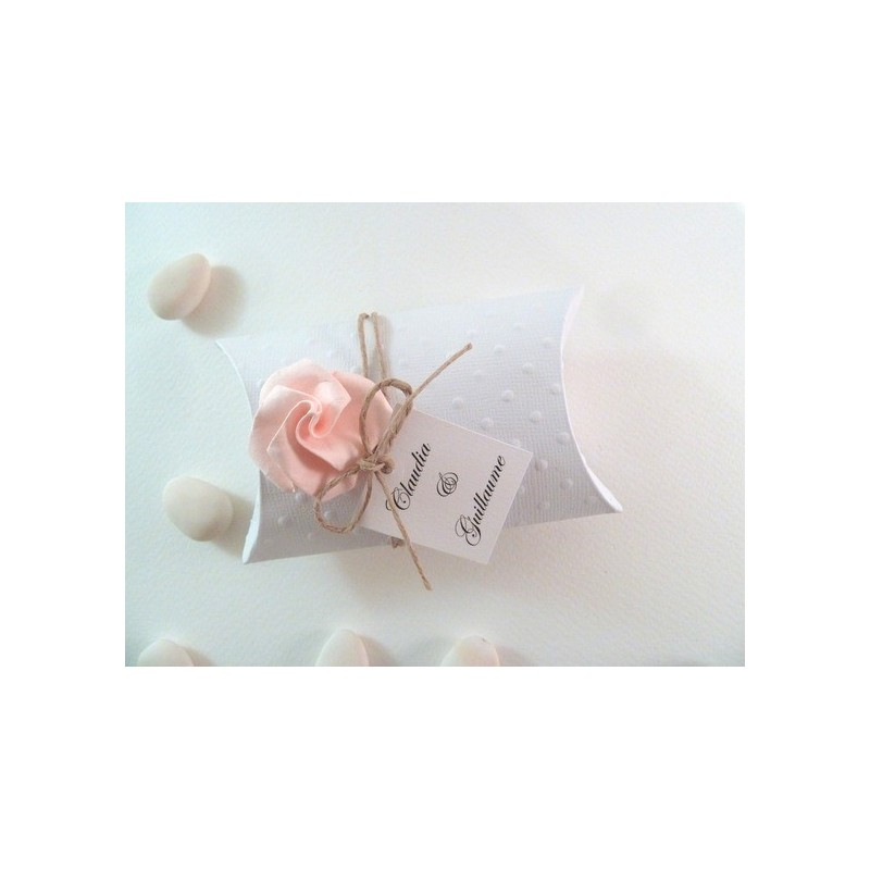 Boite a dragees coussin rose en origami couleur rose pale for Couleur rose pale