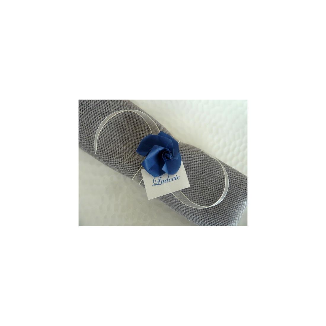 rond de serviette marque place pour mariage en origami rose bleue en papier ruban organza ivoire. Black Bedroom Furniture Sets. Home Design Ideas