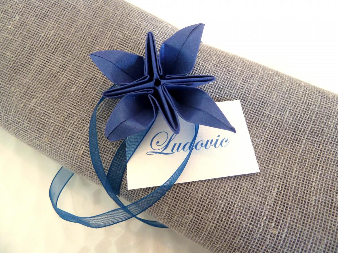 origami serviette de table fashion designs. Black Bedroom Furniture Sets. Home Design Ideas