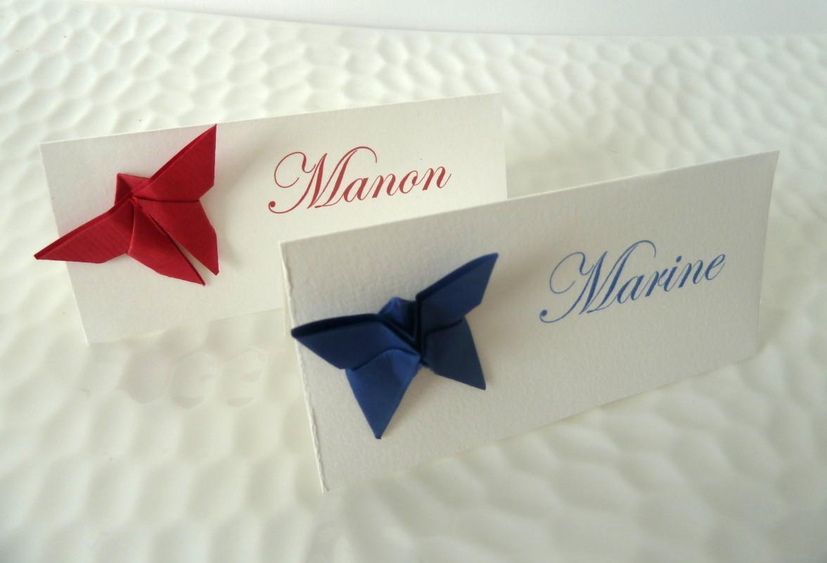marque place papillon en origami bleu rouge pour mariage bapteme anniversaire decoration table. Black Bedroom Furniture Sets. Home Design Ideas