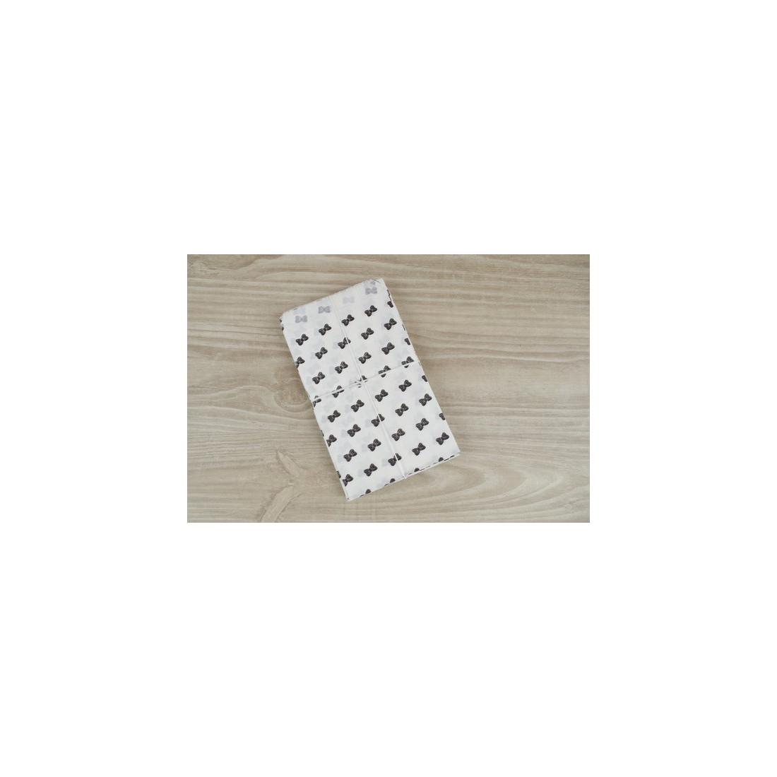 sachets cadeaux noeud noir lot de 10 pochettes en papier blanc 9 x15 cm pour bijoux dragees. Black Bedroom Furniture Sets. Home Design Ideas